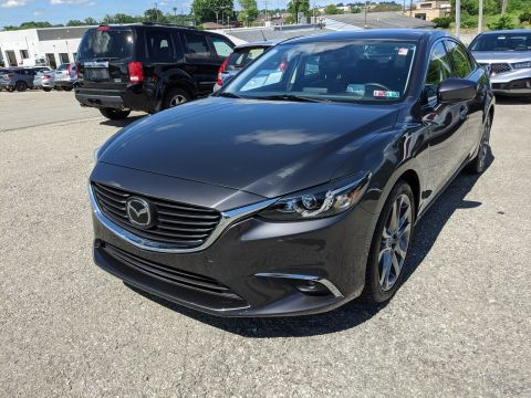 Pre-Owned 2017 Mazda Grand Touring FWD